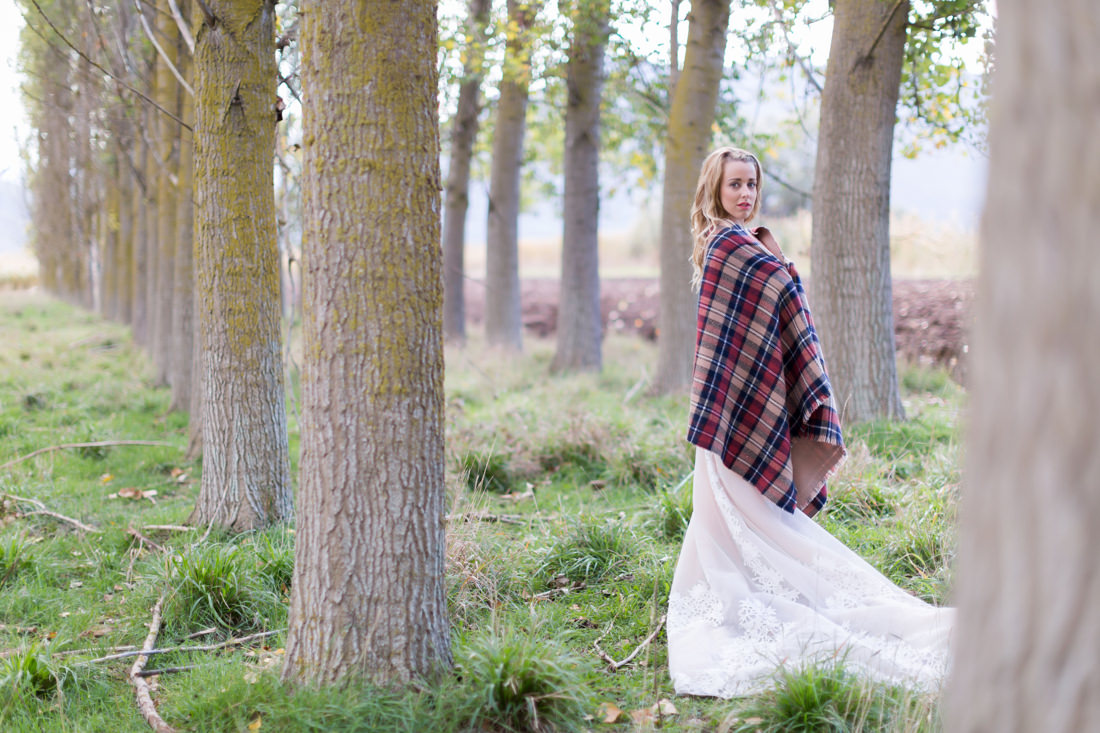 Lake Doxa Bride Photo shoot colorful blanket