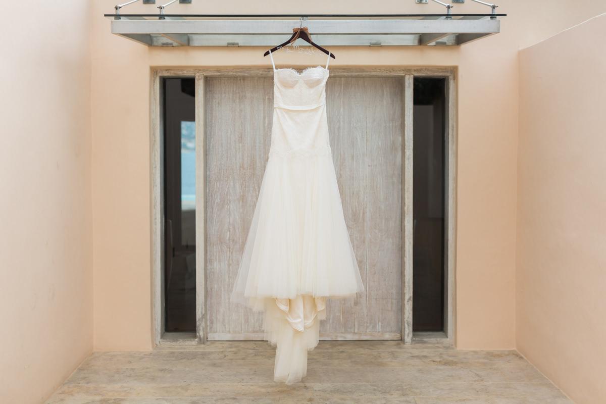 Athens Riviera Island wedding bride details
